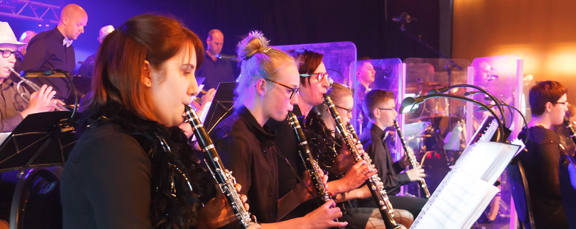 De muziekvereniging met ook veel jeugdige spelers